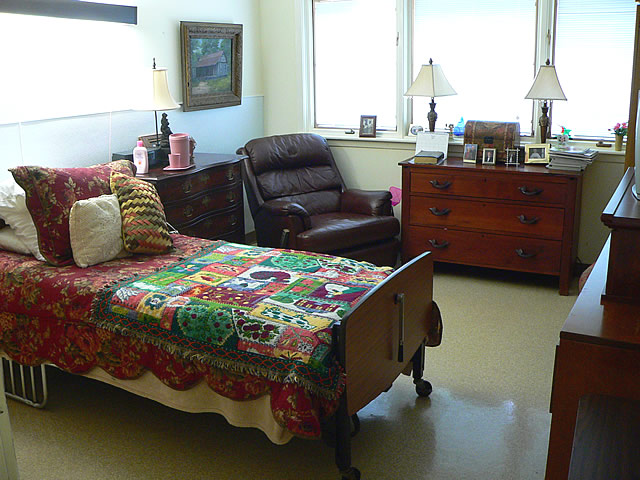 Golden age nursing home inc the facilities full for Home decor inc 6650 tomken road